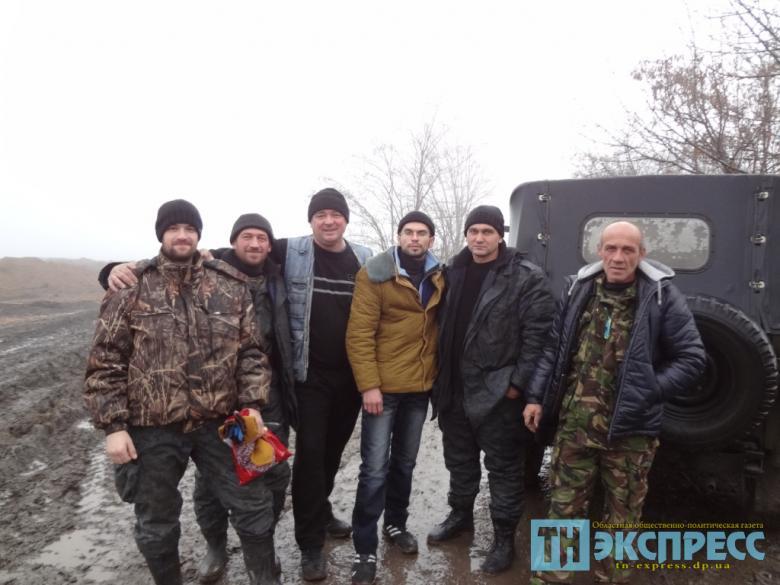 Зустріч волонтерів Павлоградщини та бійців під Новоазовськом