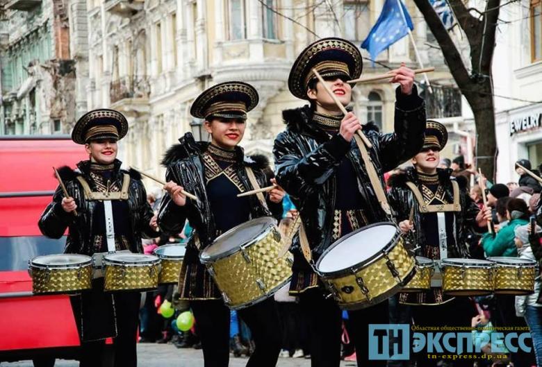 """""""Studio-117"""" Crazy Drummers (""""Шалені барабанщиці"""", Одеса)"""
